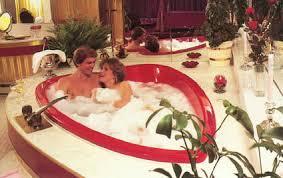 mt airy lodge honeymoon heart shaped pool