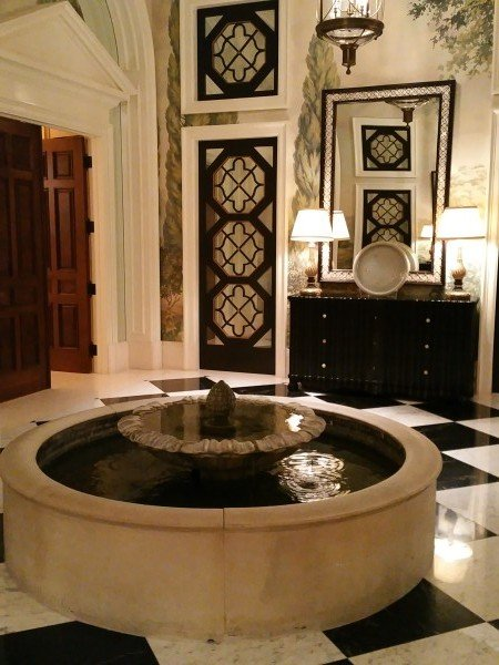 augustus suite marble fountain